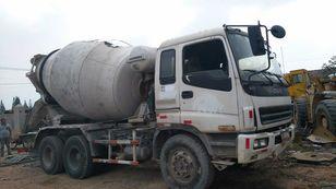 ISUZU CXZ81K betoniauto