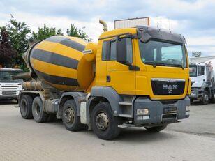 Liebherr  alustalla MAN TGS 32.400 betoniauto